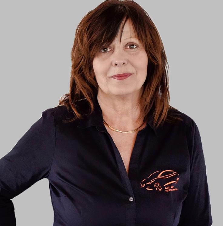 Christina Hank Nissan Demmin
